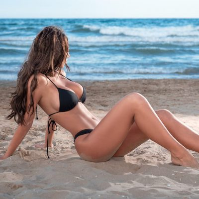 heidi sesion de fotos en la playa al atardecer