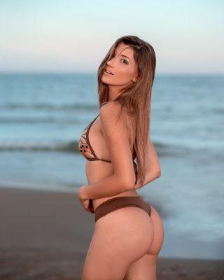 fotos de modelos en la playa profesionales
