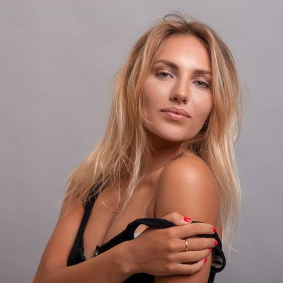 Como fotógrafo tengo experiencia en dirigir modelos para conseguir poses y expresiones