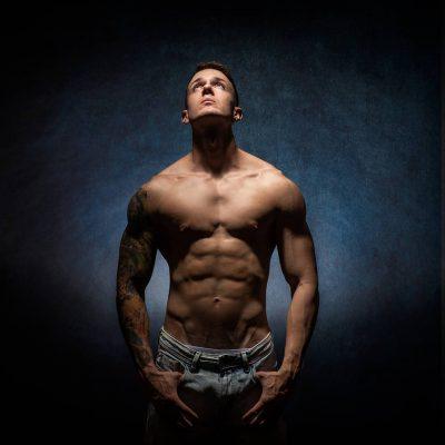 Este tipo de fotografías tan técnicas a nivel de iluminación sólo se pueden conseguir en estudio fotográfico profesional.