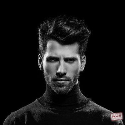 Un retrato de primer plano para un trabajo de peluquería con Vicente. Un modelo profesional con el que siempre hacemos reportajes muy chulos.