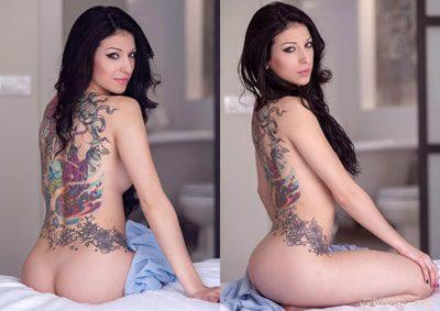 Sentada en bode de la cama desnuda con la espalda y una bonita sonrisa. ¿buscas un fotógrafo para tomarte unas fotos así?