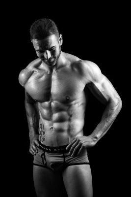 Retoque profesional fotográfico Sesion blanco y negro Fitness fotos Masculino Pedro